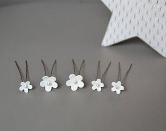 Hair pins wedding flowers, white hair - bridal hair pins, hair ornament, flower hair pin white