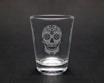 Sugar skull shot glass - Dia de los Muertos Shot Glass - Elegant Sugar Skull Black Shot Glass - Halloween Shot Glass - Halloween Skull