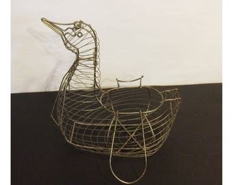 Primitive Metal Wire Goose Egg Basket