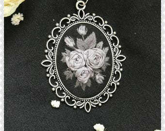 GR8 gray roses necklace