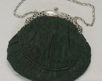 Vintage  1919 black purse / handbag with silver frame  and chain.