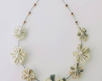 "Necklace multiple flowers ""floral"" - one size"
