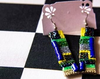 Boucles d'oreille en mosaïque de perles dans les tons verts, bijoux Gwenda'ailes