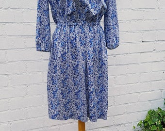 Vintage summer dress - festival dress - vintage dresses - size 10 blue and white floral print