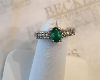 14k white gold Oval Emerald and 10 Diamond Ring, .40 tw IJ-SI1,2-I1, size 5.5