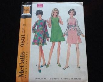 McCall' pattern 9501. Vintage uncut 1968 junior misses' petite dress. Sleeveless or bell sleeves, Princess seams, scalloped, above knee.