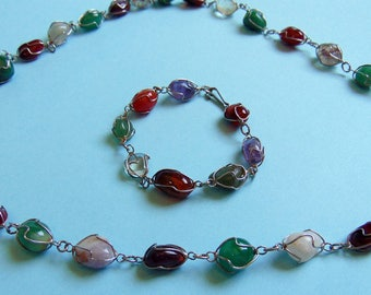 "Vintage Necklace & Bracelet – Multi-Coloured stones encased in silver tone wire - 30"" length - Greece"