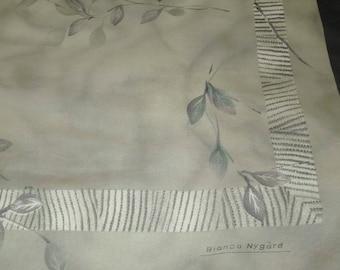 "Nice vintage green polyester Bianca Nygard  scarf    29""  x 30"""