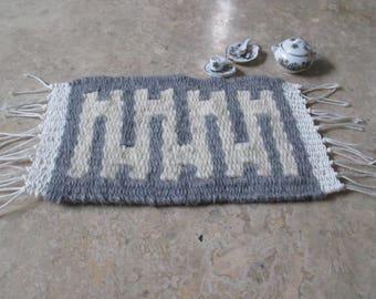 Woven dollhouse rug, 1:12 scale miniature, miniature rug, handwoven, mini kilim, dollhouse furniture