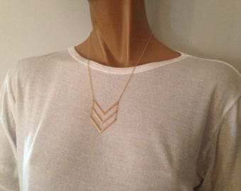 V 3 fine silver metal and trendy necklace