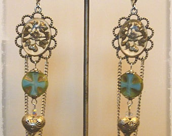 "Earrings retro ""Transparency"" Cabochons Victorian style, silver, blue Bohemian pearls, silver filigree hearts"