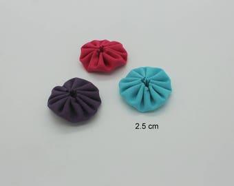 Purple fuchsia hand-made Yo-Yo Flowers trio turquoise 2.5 cm