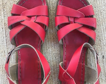Classic Salt Water Sandals Red size 5 / size 7