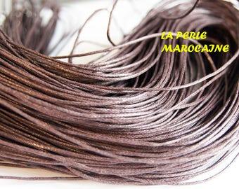 10 M  FIL COTON ciré coloris marron foncé  diamètre 1 mm