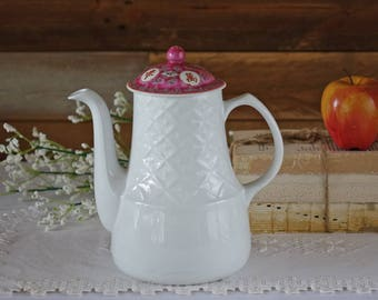 Vintage ironstone teapot - Alfred Meakin - England - Chinese design