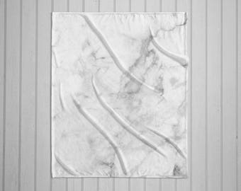 White Marble plush throw blanket with white back