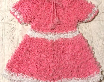 Vintage 1960s 1970s Girls Hand Knit Loop Dress White and Pink Mod Kids Dress Easter Dress Crocheted Sweater Dress Retro Mod Hippie Boho