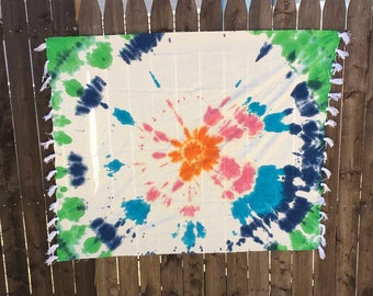 CLEARANCE** Simple Colored Wall Tapestry