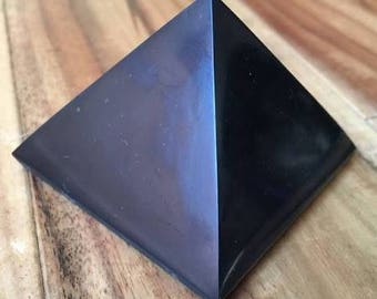shungite medium pyramid 5cm for emf protection geopathic stress water purification