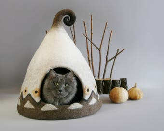 OOAK Scandinavian Nordic cat cave cat house cat bed Hand Made  beige brown white gift ideas exclusive  house Eco friendly