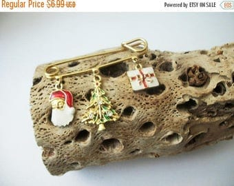 ON SALE Vintage Gold Tone AVON Dangling Christmas Charms Pin 51117