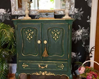 Stunning Vintage French Drinks Cabinet Linen Cupboard TV unit Annie Sloan Amsterdam Green Chalk Paint
