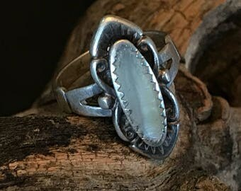 Vintage Silver Mother of Pearl Ring