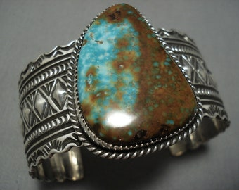 Detailed Detailed Native American Navajo Pilot Mountain Turquoise Sterling Silver Bracelet