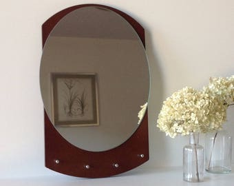 Wall oval miroir with hook