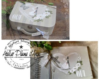 Set suitcase urn with its wedding guestbook