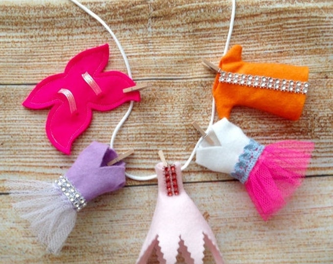 Xmas Fairy Garden 3D Clothes, Fairy Washing Line, Fairy Garden Accessories, Set of 5 Fairy Clothes