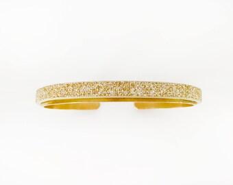 Bracelet / gold bracelet