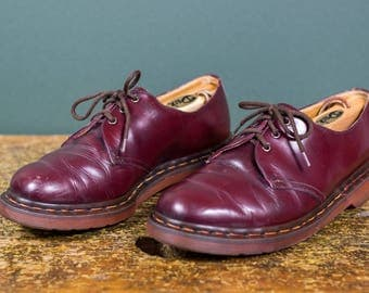 Iconic 1461 Doc Martens Burgundy Leather 3-Eyelet Shoe // Size UK 8 US 9 // Made In England