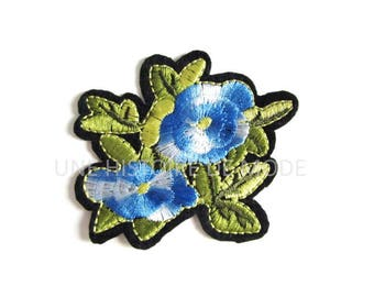 Patch, badge fusible blue flowers to sew or iron 73 x 66 mm