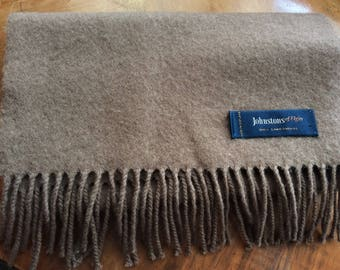 Johnstons of Elgin 100%  lambswool brown wool , fringed Made in Scotland, soft