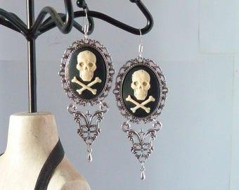 boucles d'oreilles gothiques camée tête de mort tattoo tatouage gothic skull cameo earings adaptables en clips modèle unique