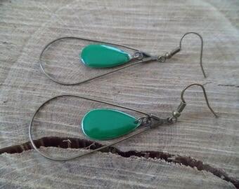 Bronze earrings with drop and sequin green enamel