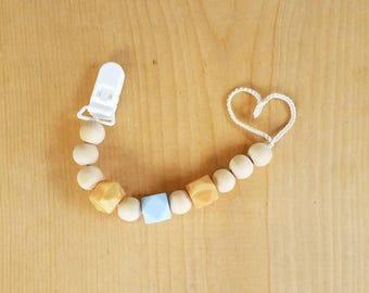 Organic teething pacifier clip