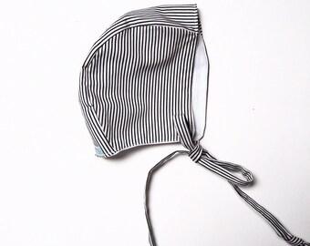 Baby bonnet Liquorice allsorts linen
