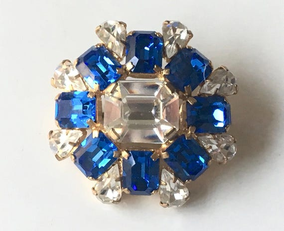 Beautiful vintage Deco gold gilt brooch with clear and sapphire blue rhinestones