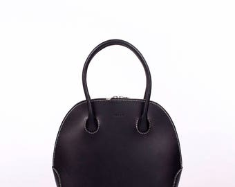 The Alie Handbag in Black, Leather, Hand Stitched, Made in America, Simple, Clean, Leather Bag, Leather Handbag, Riri Zipper