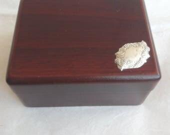 Jewellery box in Walnut Briar with silver plate