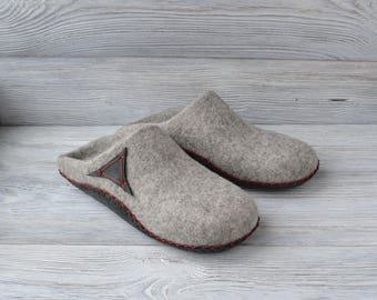 Felt slippers gray Wool slippers House shoes Women slippers Men slippers house slippers mother gift for sister home gift Hygge slippers love
