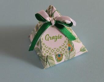 Customizable box Pyramid of confetti/Boite a dragee/customizable favor boxes Fox Peacock Feather
