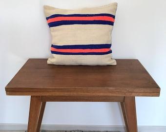 Berber wool pillow