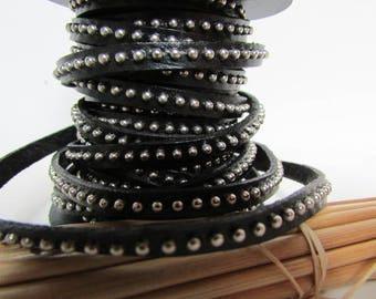 20 cm Strip 0.5 cm flat genuine black leather studded - 17.78