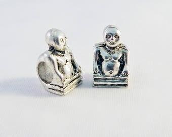 INT122 - 2 charms UFO Alien Pandora 19mm X 8mm Tibetan silver skeleton