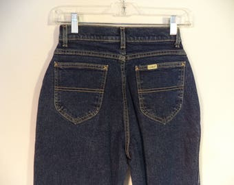 LL Bean high waist mom jeans// 90s USA union made cut off dark wash blue denim vintage pants// Womens size small 2 4 25W