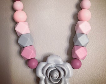 Silicone teething necklace - pink grey