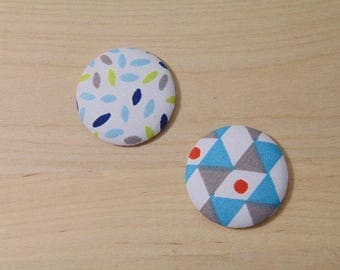 2 cabochons x 28mm fabric ref white and blue fabric has 29